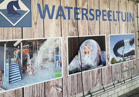 Indoor waterspeeltuin